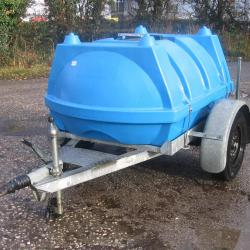 1000 LTR BOWSER TRAILER FULLY GALVANISED CHASSIS .